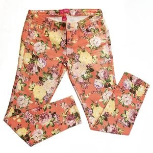 ALMOST FAMOUS Jeans Pink Flower Print Skinny Leg